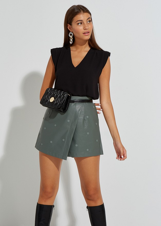 Leather look skorts με τρουκς