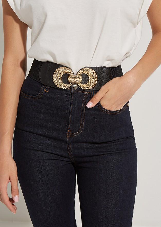 Belt with textured buckle