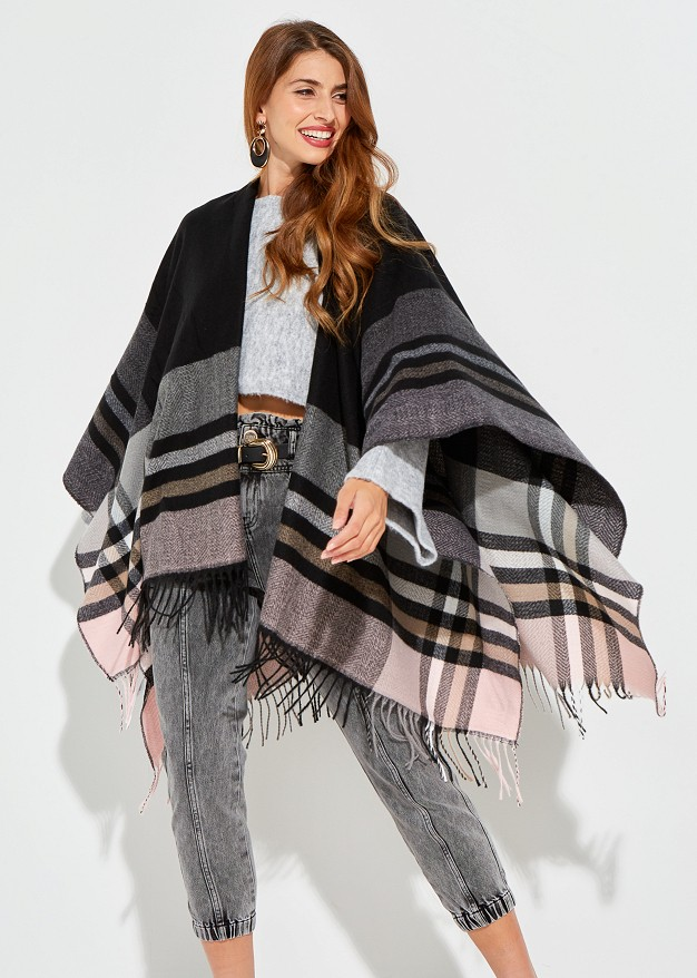 Checked cape with fringes
