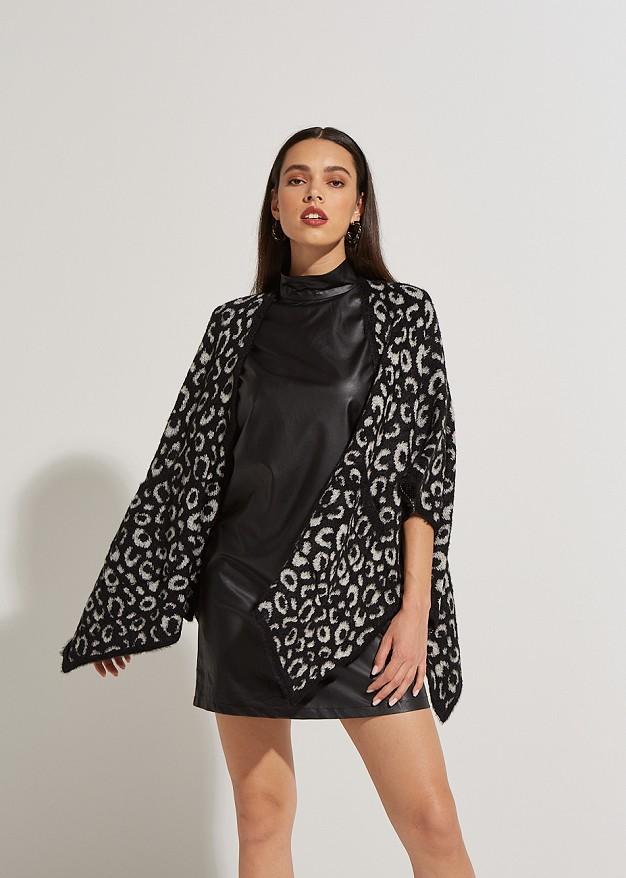 Пелерина с леопардов десен