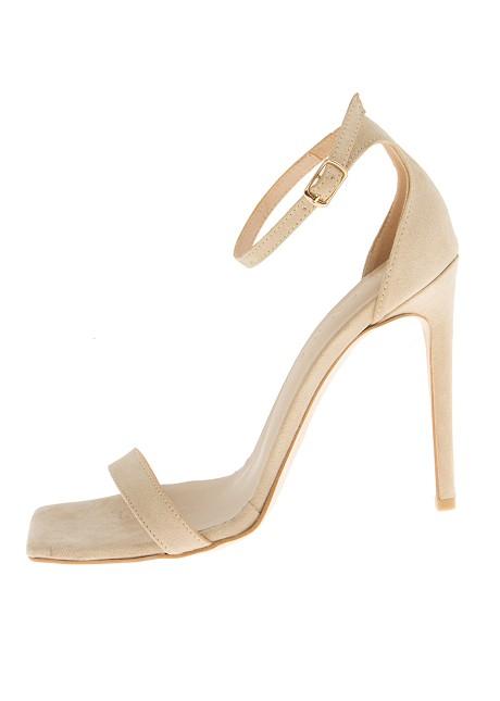 Велурени сандали с ток