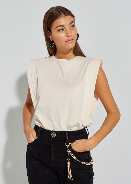 Basic sleeveless blouse
