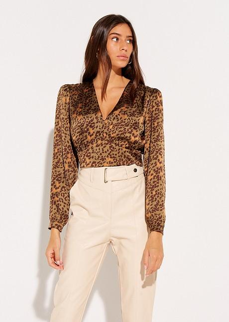 Скъсена блуза с животински десен
