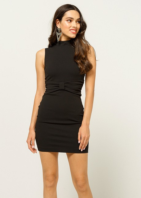 Dress with bow detail