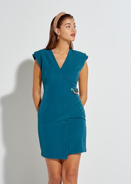 Mini φόρεμα με λεπτομέρεια αλυσίδας