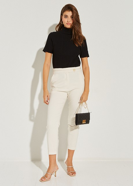 Baggy trousers with cuffs