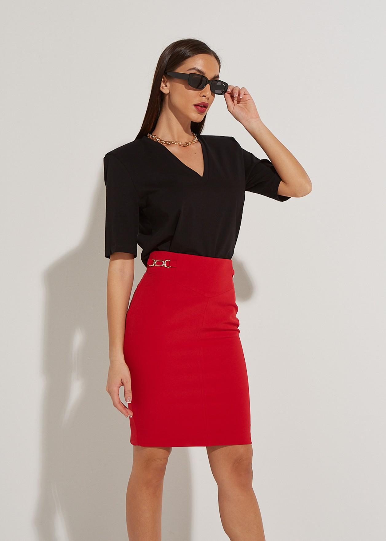Базова блуза с подплънки на раменете