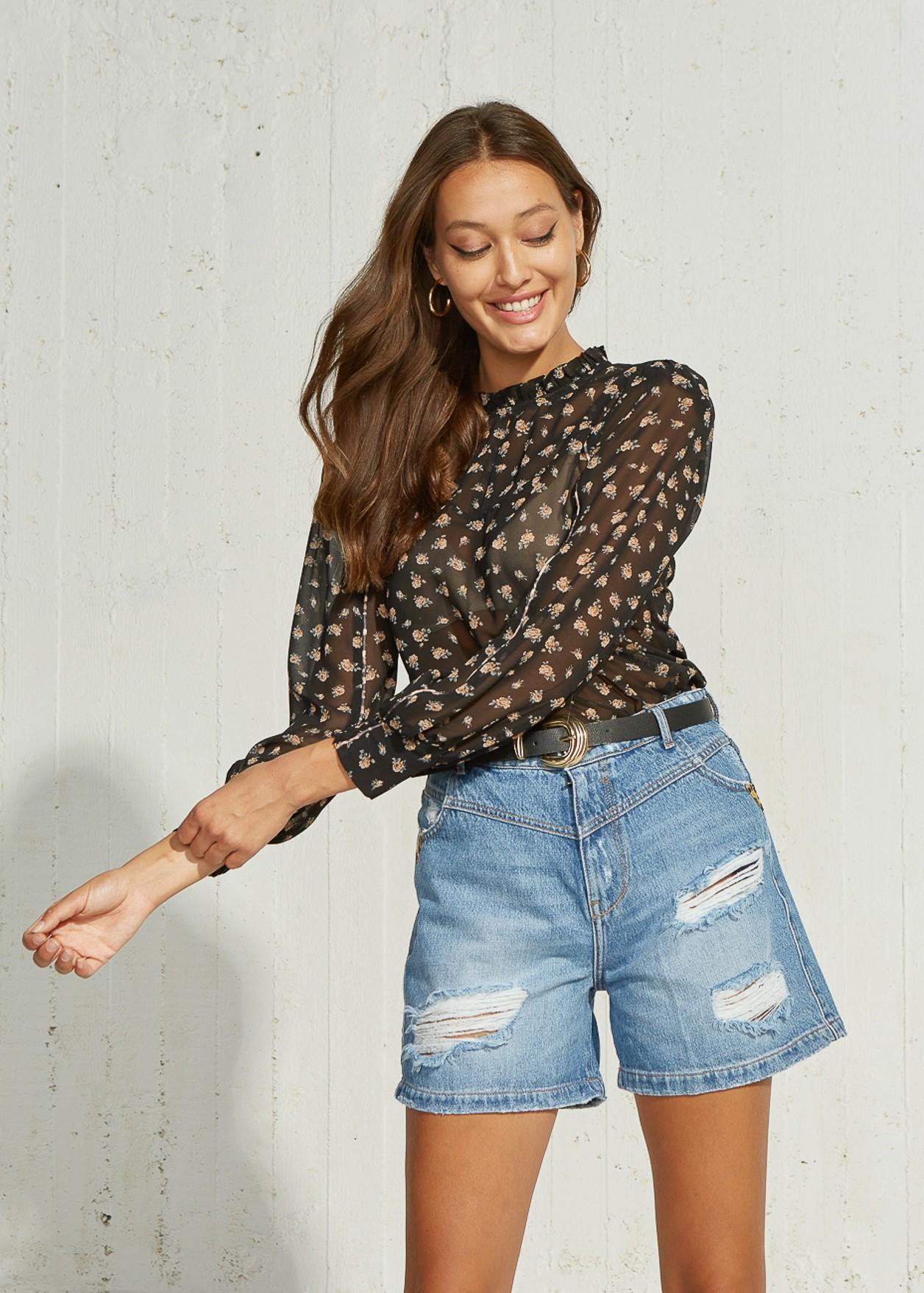 Прозрачна блуза на цветя
