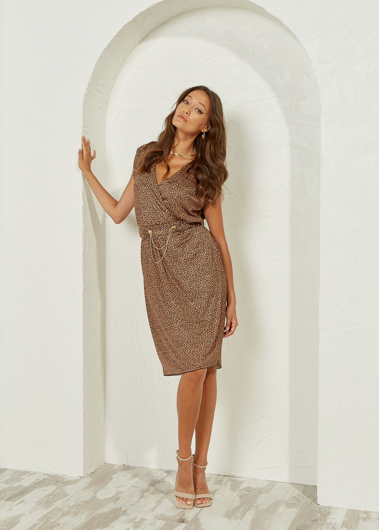 Φόρεμα λεοπάρ με διακοσμητική ζώνη